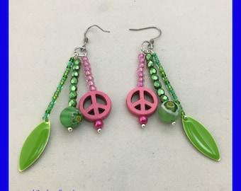 Peace Sign Earrings / Flower Earrings / Pink Peace Sign / Hippie Earrings / Green and Pink Beaded Earrings / Unique gift ideas