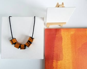 Modern Wood Necklace In Yellow Gold
