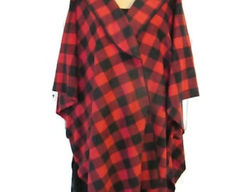 Buffalo Check,Lumberjack,Poncho,Cape,Wrap,Buffalo Plaid,Red,Black,Fleece,Gift for Her,Women,Handmade,Vintage Style