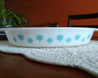 Vintage Pyrex Turquoise Snowflake Casserole Dish