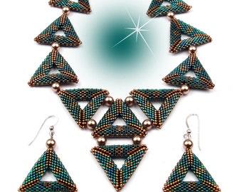 Emerald Triangulation necklace