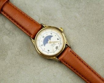 Vintage Timex moonphase quartz watch with new brown leather band very nice condition