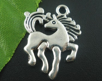 5 pieces Antique Silver Galloping Horse Charms
