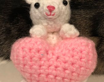 amigurumi kitty with a heart, handmade, valentine's day, any occasion, gift for all
