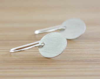 Silver Circle Earrings, Round Silver Earrings, Round Earrings, Disc Earrings, Minimal Earrings, Modern Jewellery, Dangle Earrings : SciDmP