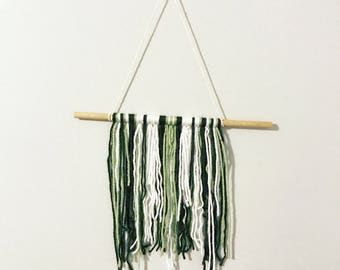 Small yarn wall hanging • sage, olive, white