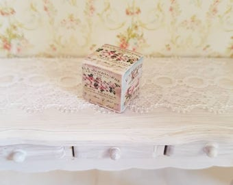 Dollhouse Miniature,Doll house Miniatures,Shabby Chic Decorative Cube,12th Scale,Shabby Chic Miniatures,Vintage French Prints