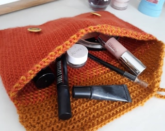 Makeup clutch