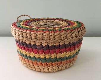 Vintage Round Storage Basket with Lid Raffia Sewing Basket Boho Style Home Decor