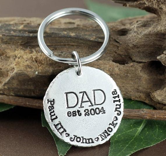 Personalized Daddy Keychain,Fathers Day Keychain, Dad est 2017 Keychain, Gift for Dad, Pewter Keychain, Custom Dad Keychain,Keychain for Dad