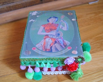 Little Chinese box red/green/purple