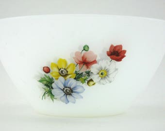 Small Salad Bowl Arcopal anemones patterns