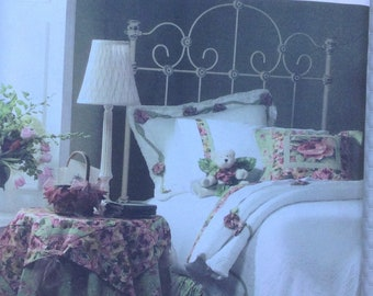 Bedding Accessories with rose accents Simplicity pattern