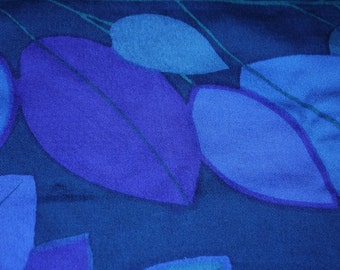 Fabric - Length - Strong colors - Blue/Purple/turquoise - Leaves - Scandinavian - Craft