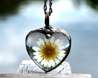 Real Daisy Necklace, Handmade Daisy Necklace, Heart Necklace, Daisy Heart Necklace, Handmade Necklace, Pressed Daisy Necklace, Daisies 2553
