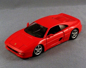 Ferrari F355 Berlinetta // Model Car // Scale 1/24 // Maisto // Made in Thailand // Car Doors  & Hood Open // Motor Opens // St Wheel Moves