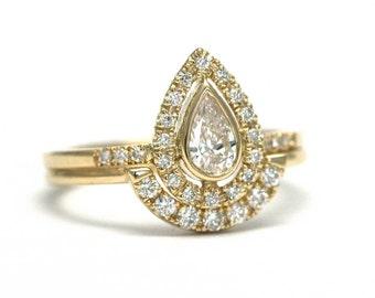 Gold Diamond Ring, Diamond Ring Set, Diamond Ring, Diamond Wedding Set, Pear Diamond & Pave Diamonds Ring, Diamond Wedding Band, Simple Ring