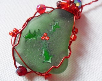 Sprig of holly and berries - Hand painted GREEN sea glass Christmas tree decoration with beads and wire