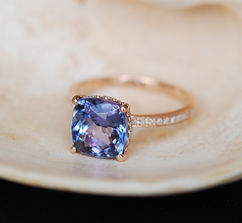 round rings ring wedding prong gold blue tanzanite white engagement claw