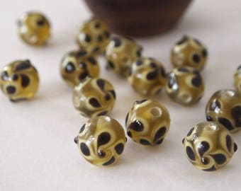 8 Lampwork Beads Round Glass Black Yellow Pansy Floral Size 12mm Hole 2.5mm