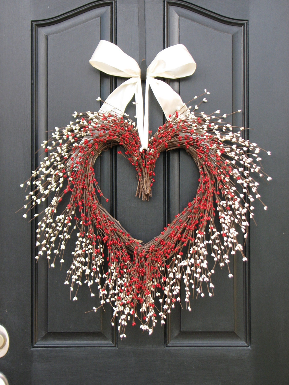 Heart shaped wreath valentine wreath red and white heart description this red and white heart shaped wreath rubansaba