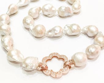 Baroque Pearl Necklace on 925 Silver and Rose Gold Clasp