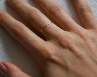 Minimalist Ring/ Thread of Gold Band/ Stackable Handmade/ Dainty/ Delicate Gold Filled Ring/ Gift for her