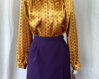 Purple Wrap Skirt / 1970's / Garey Petites / Size 14 / Polyester / Like New / Button Tab Detail