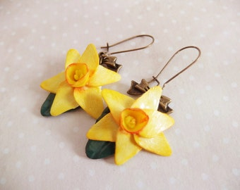 Yellow daffodils in polymer clay earrings / Jonquil / flower / daffodil / Yellow