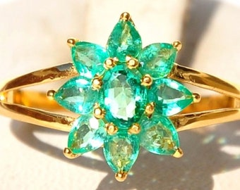 Fabulous 18KT Gold 4 Carat Top Grade Colombian Emerald Ring