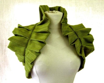 Moss Green Victorian Inspired Shoulder Wrap