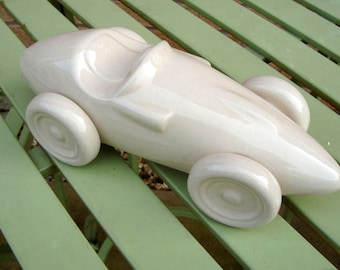 A Pair Of Vintage Ceramic Classic Vanwall F1 Racing Cars / Display Ornaments/ Book Ends. Automobilia.