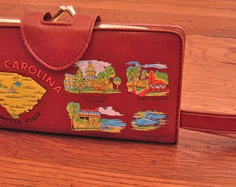 Vintage Souvenir Change Purse Wristlet Wallet with Comb and Mirror. Delightful 60s Style. Kitsch
