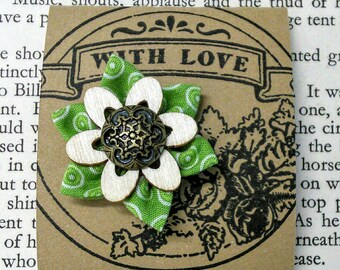 Flower Pin Badge green Handmade