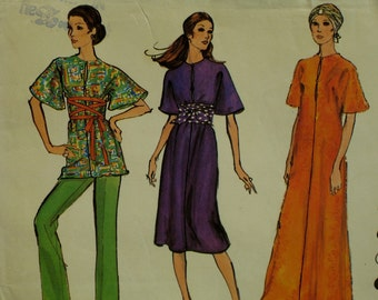 1970s Caftan Pattern, Tunic, Dress, Bell Sleeves, Cut-on, Front Seam, Neck Slit, Pants, Vogue No. 8098 UNCUT Size 12 (Bust 34' 87cm)