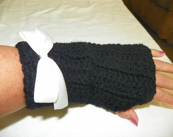 Gloves in Black with Bows Choose With or Without the Bow and Colors Below
