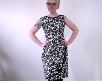 Vintage Wiggle Dress // 60s Floral Print Sheath Dress // Black and White Cocktail Dress // Mad Men Dress // Medium