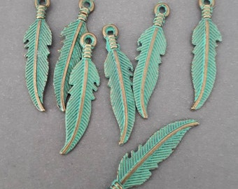 8pcs-Patina brass tone feather charm