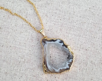 Agate Slice Necklace, Geode Slice Necklace, Crystal necklace, Gift ideas, Druzy Necklace