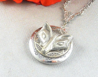 Wolf Locket Necklace. Antiqued Silver Pewter and Vintage Silver Locket Necklace