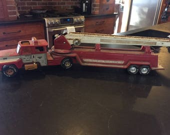 vintage Nylint Engine 885 aerial hook and ladder fire truck all steel almost 3 feet long 1970s