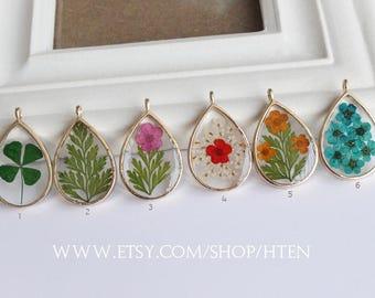 1pcs  Handmade Teardrop 18x25mm Resin Dried flowers Pendant - Really flower Pendant Charms - real flower DIY Resin jewelry original design