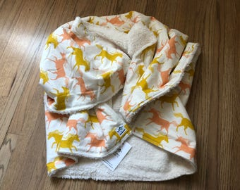 the chic baby blanket - gold and pink unicorns