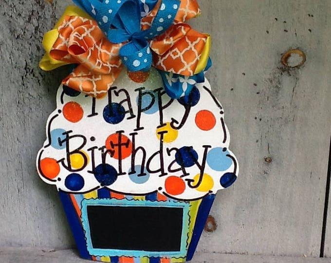 Birthday door hanger, birthday door sign, birthday countdown sign, happy birthday sign, cupcake sign, cupcake door sign, cupcake door hanger