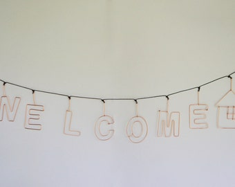 Word Wall Hanging, Welcome  Wire hanging Sign