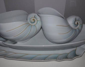 Hutschenreruther Seafood Serving Set, Porcelain shell plates with two shell sauce boats with the famous lion mark. Fine dining / table ware.