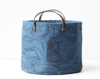 SALE 25% OFF - Small Bucket - Ships