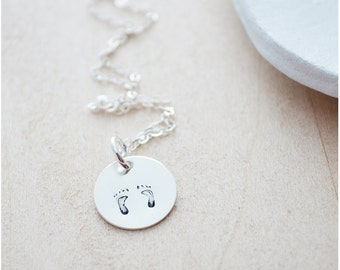 Baby Foot Print Necklace, Expecting Mom Jewelry, Personalized Gift for Mom, Baby Feet Necklace, Sterling Silver Push Gift, Baby Shower Gift