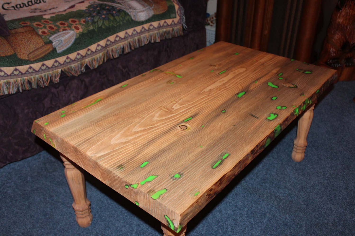 Glow coffee table glow in the dark living room family - Glow in the dark table ...