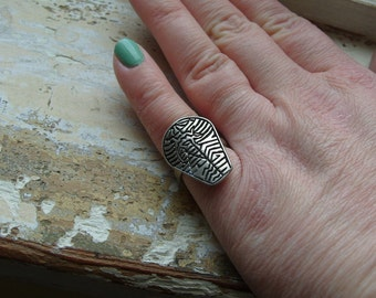 FREE SHIPPING Vintage Silvertone Metal Industrial Ring Size 6 1/2